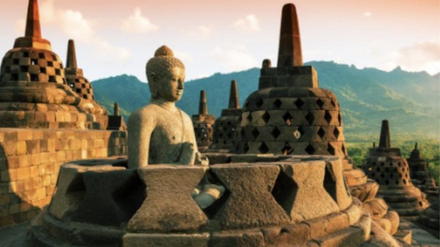 SAND, SIGHTS & ESSENCE OF INDONESIA